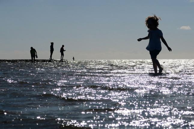 beach children