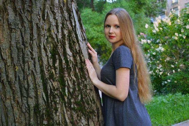plant-tree-woman